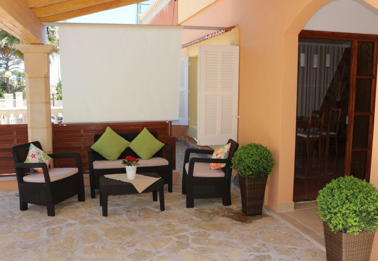 3 dormitorios dobles, 2 baños, terrazas, barbacoa y conexión inalámbrica a internet gratuita, en sólo 10 minutos en la playa