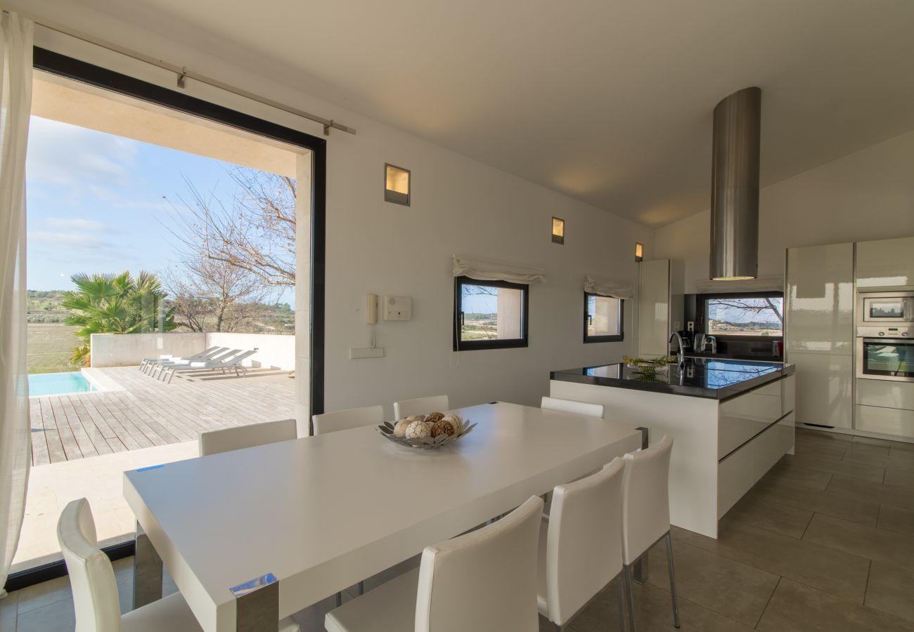 Villa para 8 personas con piscina en Santa Margalida, Mallorca.
