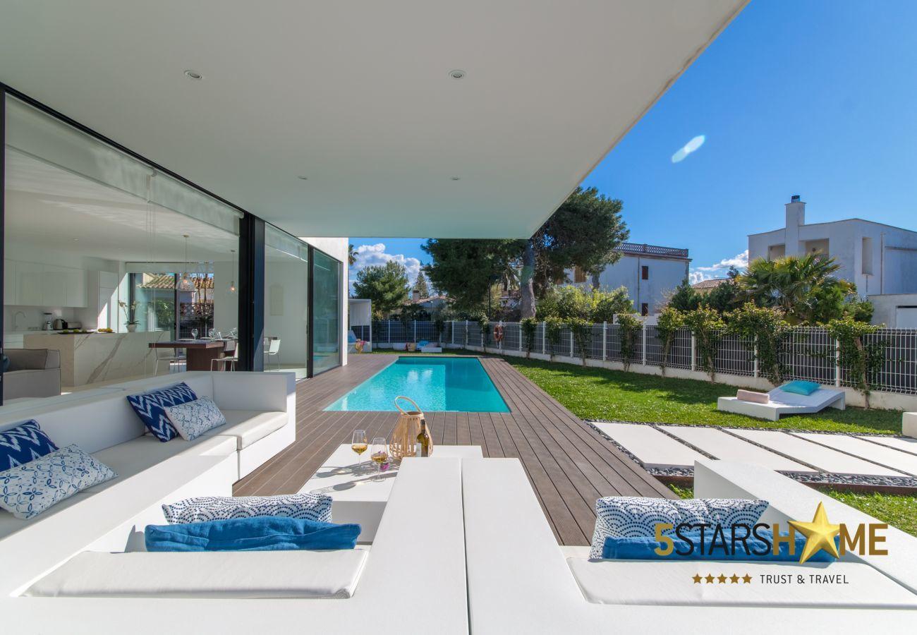 Villa mit Pool für 8 Personen in Playa de Muro, Mallorca